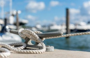 a rope tied off to a pier